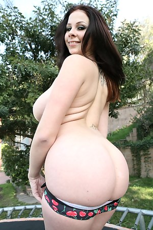 cell phone pics of woman naked