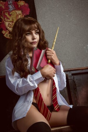 Hermione nude cosplay
